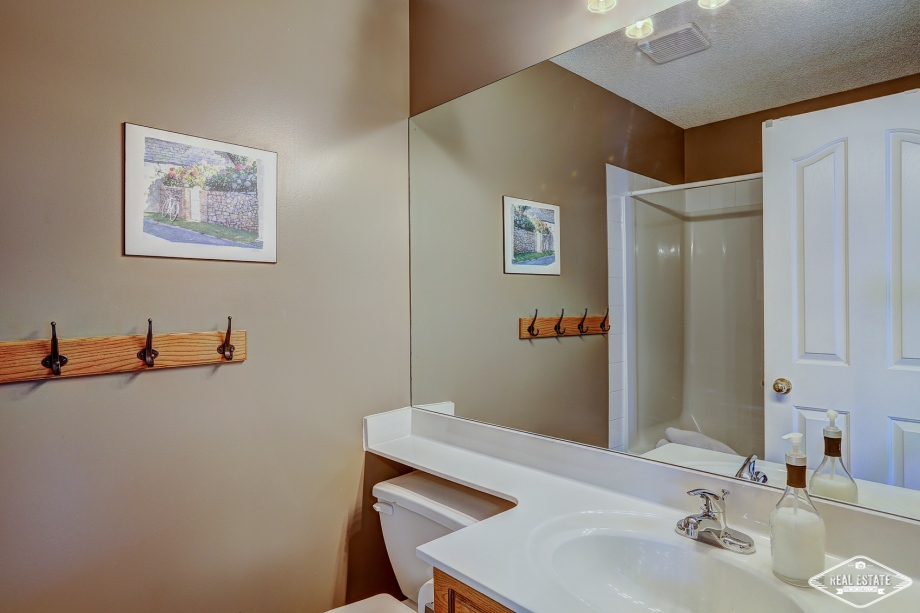 Real Estate Photos 4U Calgary HDR Photography yyc top best realtors agents southern Alberta Canada-7